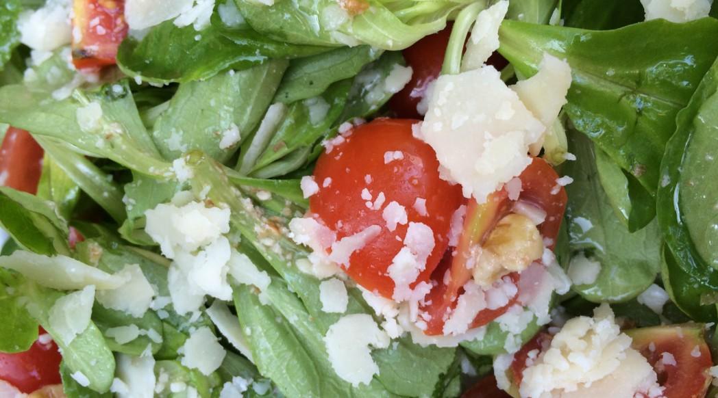 Feldsalat mit Parmesan